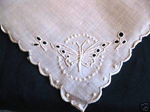 00198 table linens 4 napkins cutwork